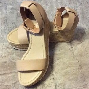 👡MARC FISHER WEDGE HEELS👡